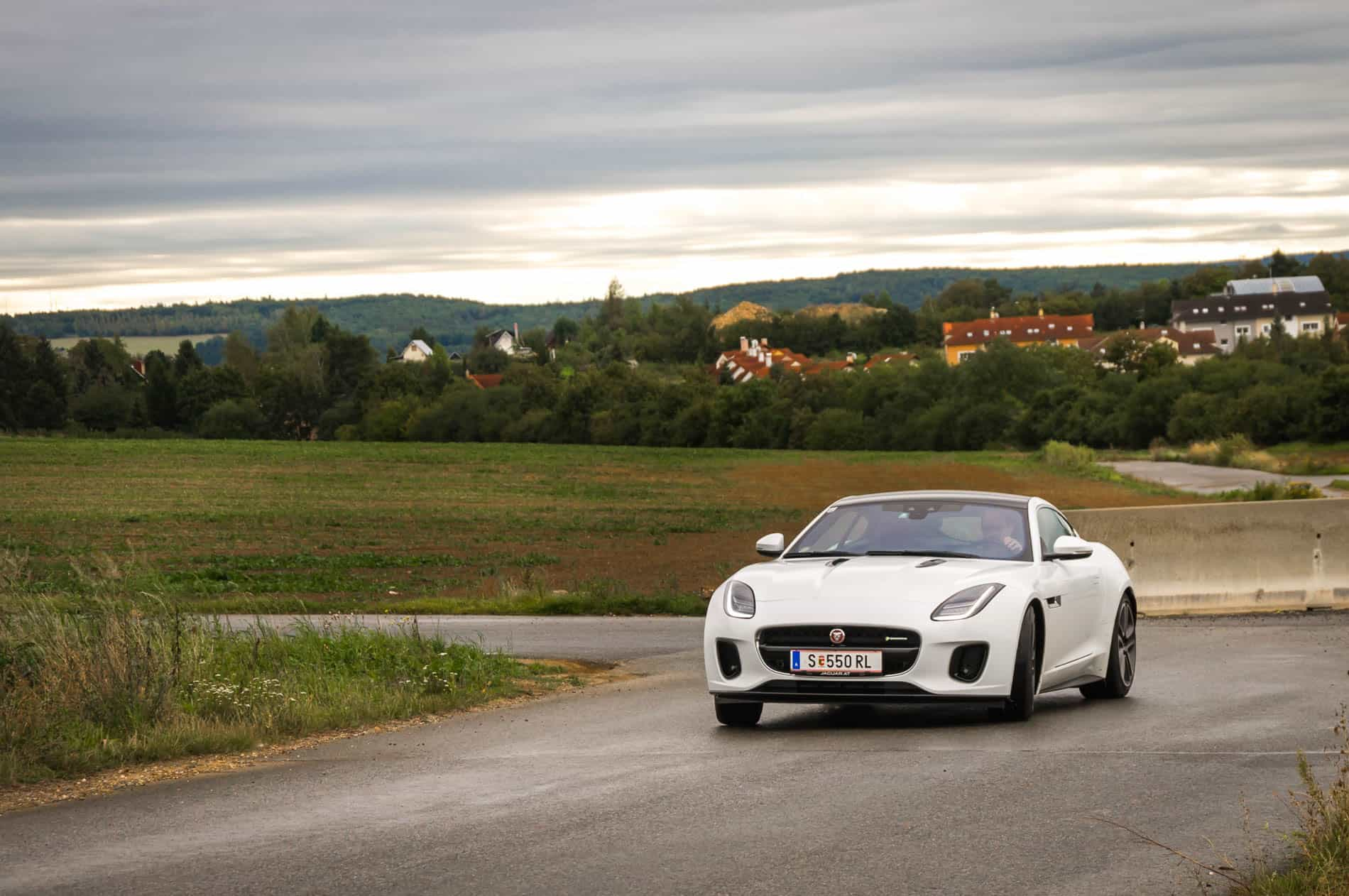 Jaguar F-Type 20-43