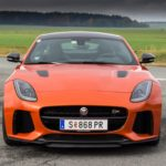 Duel-Audi-R8-V10-Plus-vs-Jaguar-F-Type-SVR-17