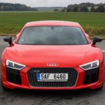 Duel-Audi-R8-V10-Plus-vs-Jaguar-F-Type-SVR-32