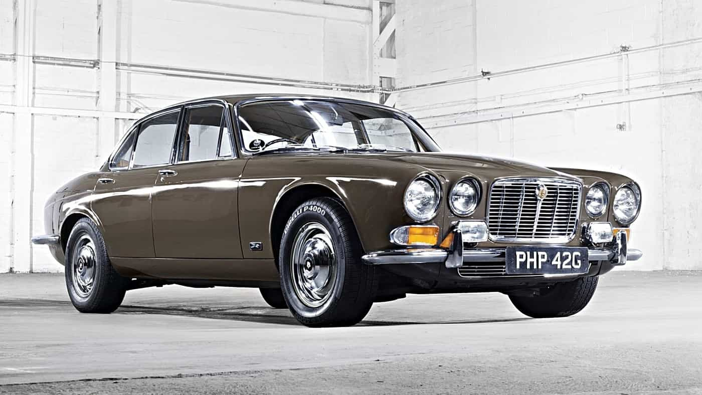 Rode Design Bank.Retro Jaguar Xj Celebrates 50 Years He Rode The Royal Family And