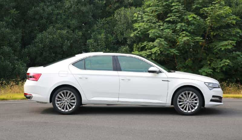 Skoda Superb Facelift_1