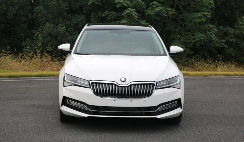 Skoda Superb Facelift_2