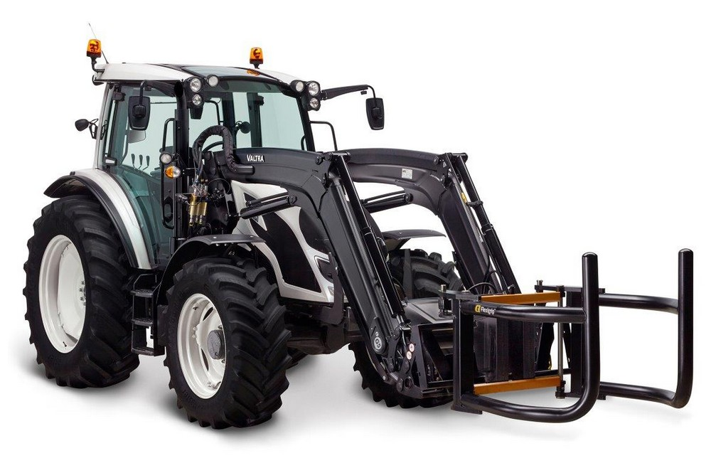 Valtra SmartTour Tractor on Continental TractorMaster 1