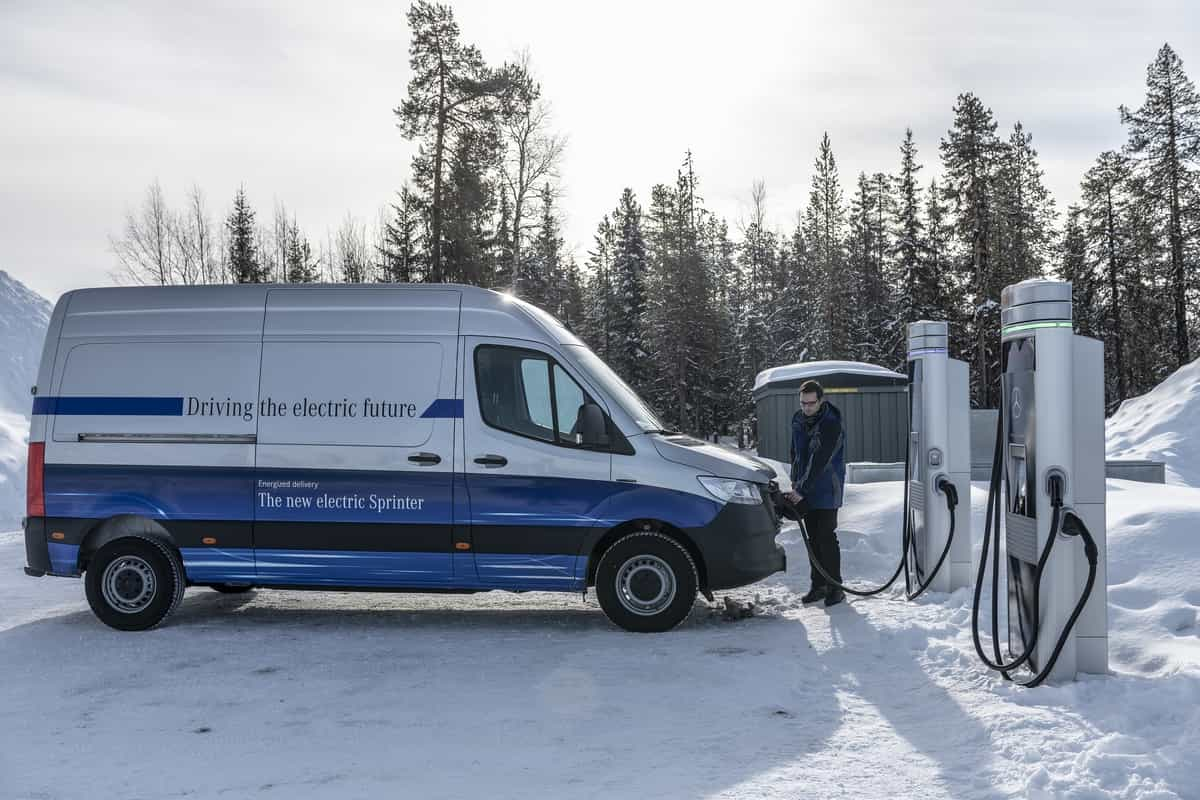 Elektrische Transporter von Mercedes-Benz Vans: Auch bei arktischen Bedingungen zuverlässig auf der letzten Meile – Der Mercedes-Benz eSprinter absolviert seine finale Wintererprobung am Polarkreis Electric Vans from Mercedes-Benz Vans: Reliable last-m