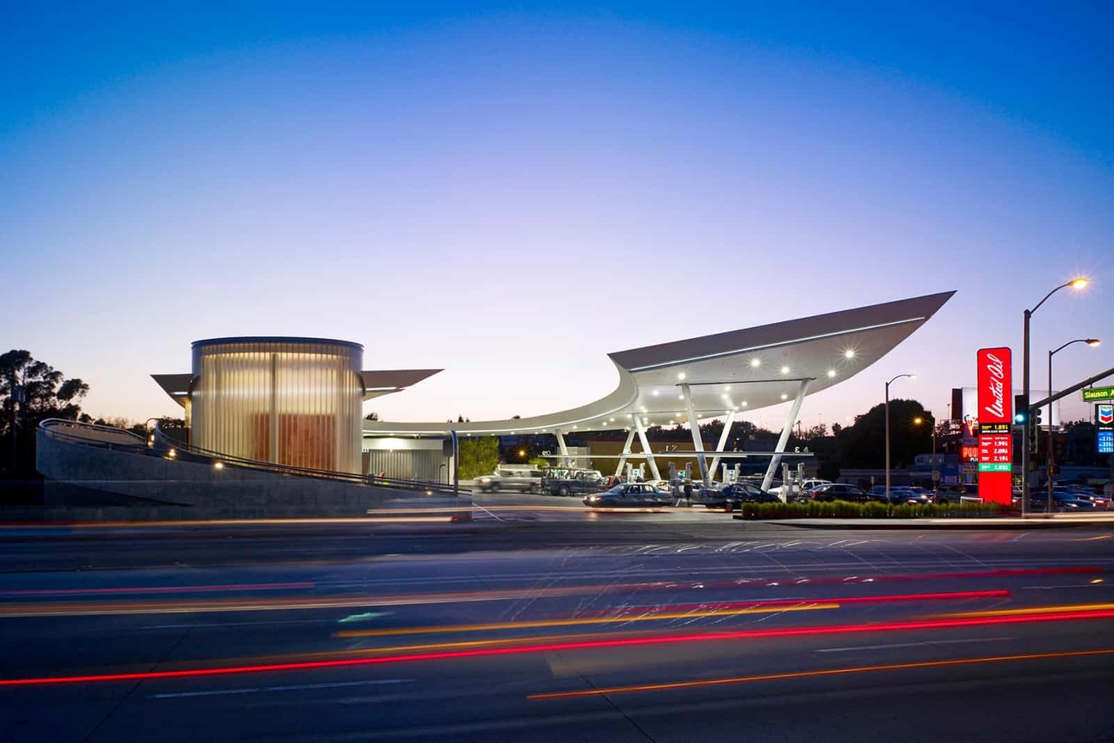 United Oil Gasoline Station, Los Angeles, California. Designed by Kanner Architects, 2009.