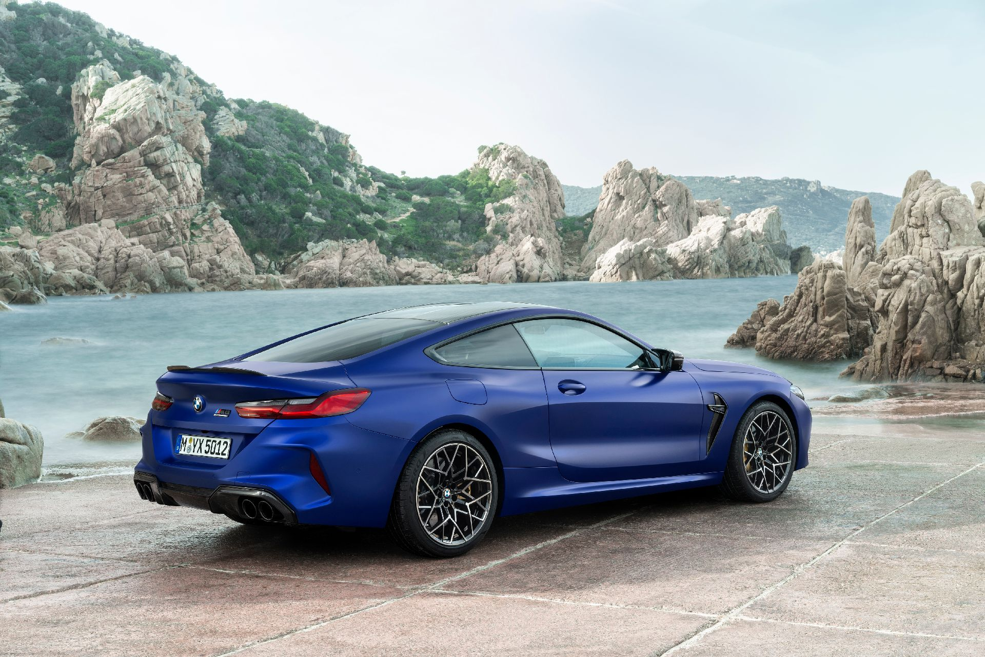 BMW-M8-Coupe-32