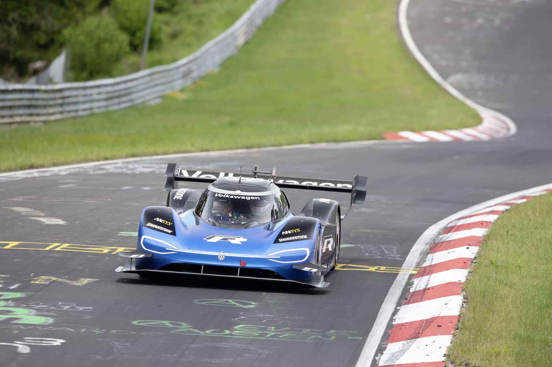 6:05.336 minutes – Volkswagen ID.R sets new electric record on