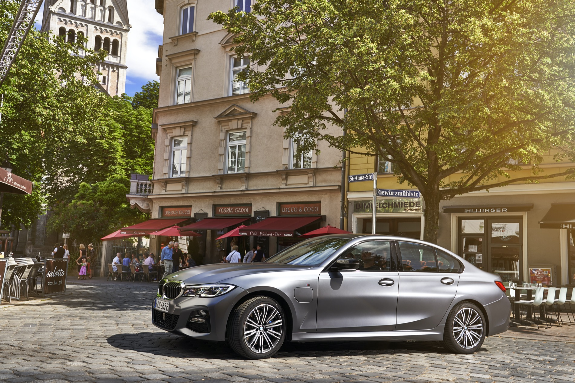 BMW_3_Series_Plug-in_Hybrid-011
