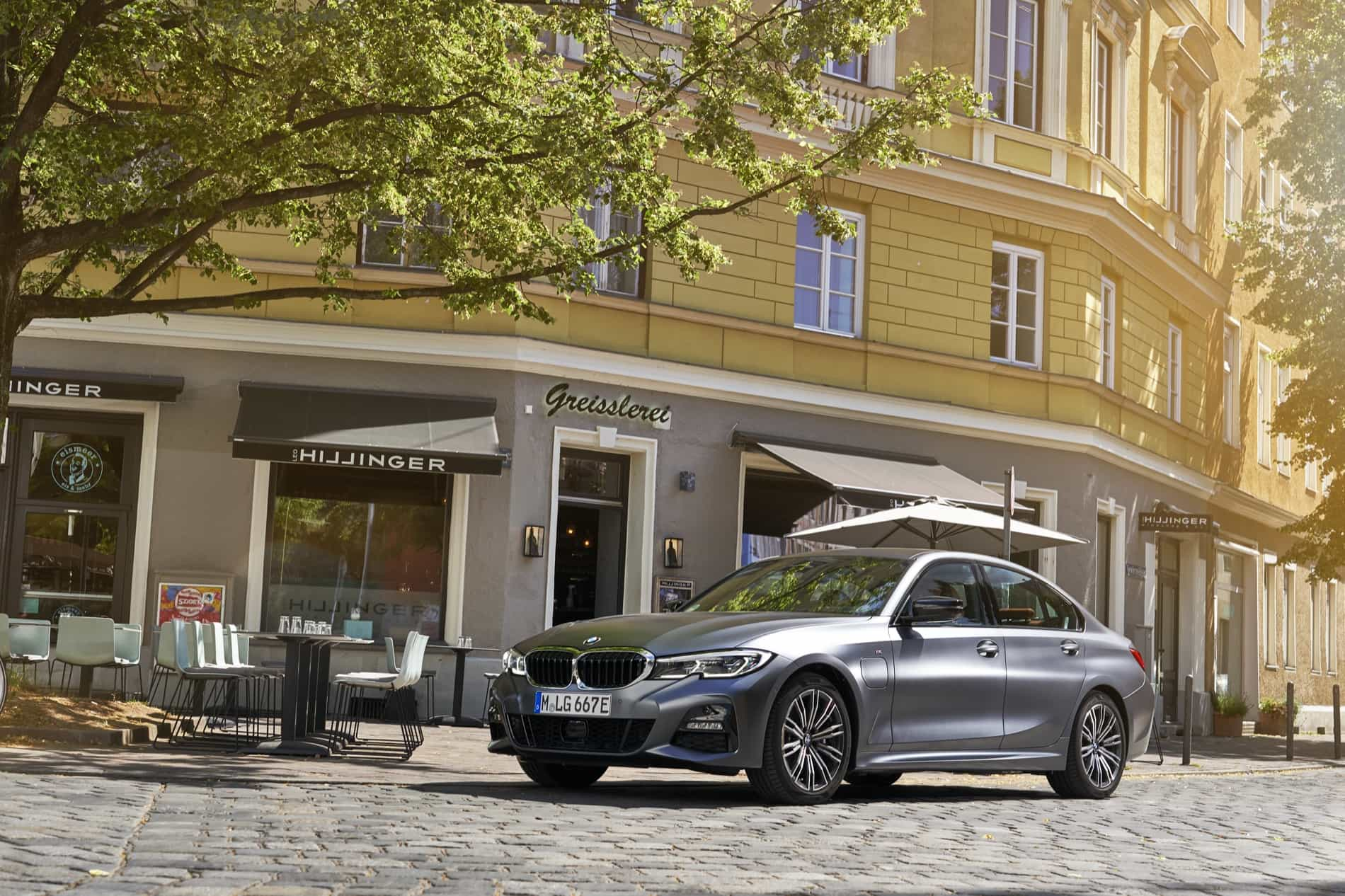 BMW_3_Series_Plug-in_Hybrid-012