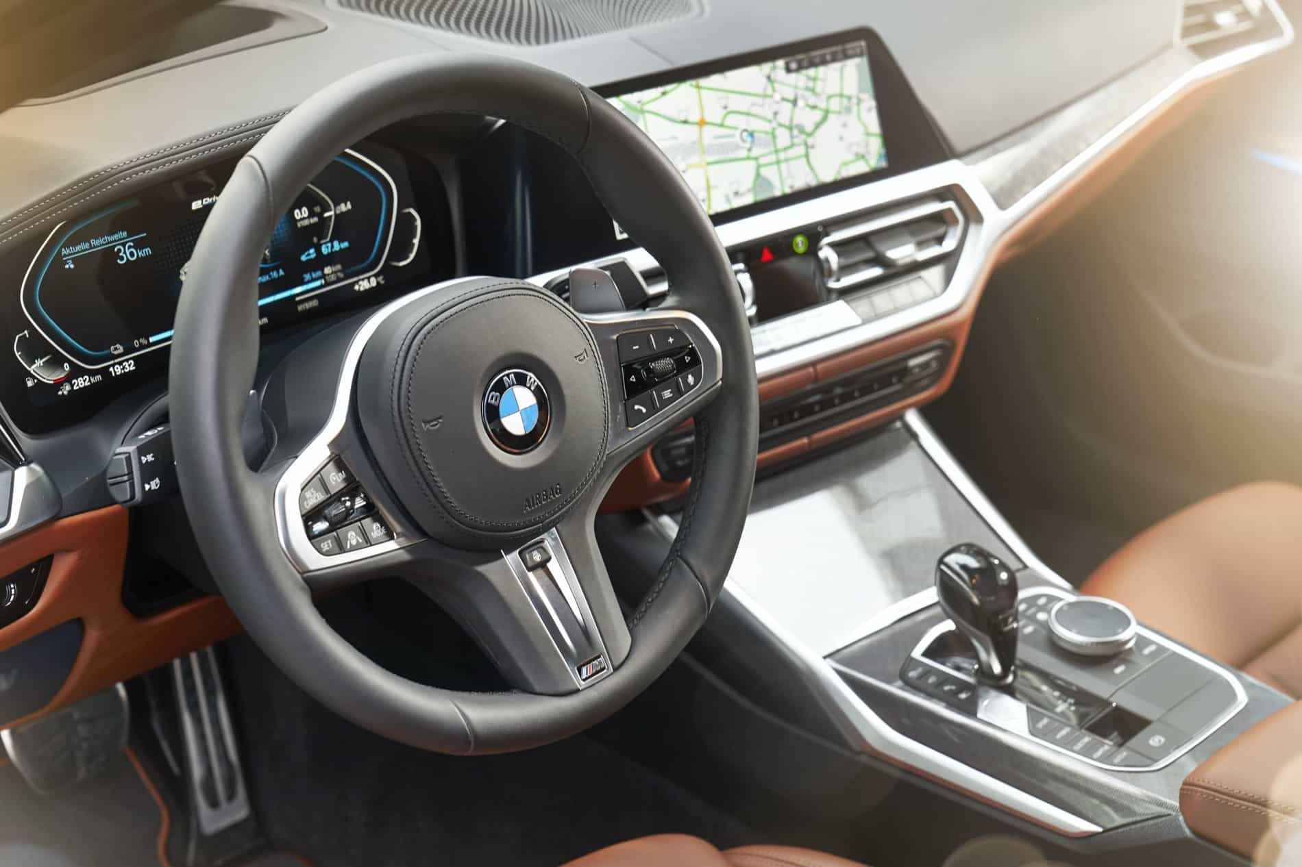 BMW_3_Series_Plug-in_Hybrid-068