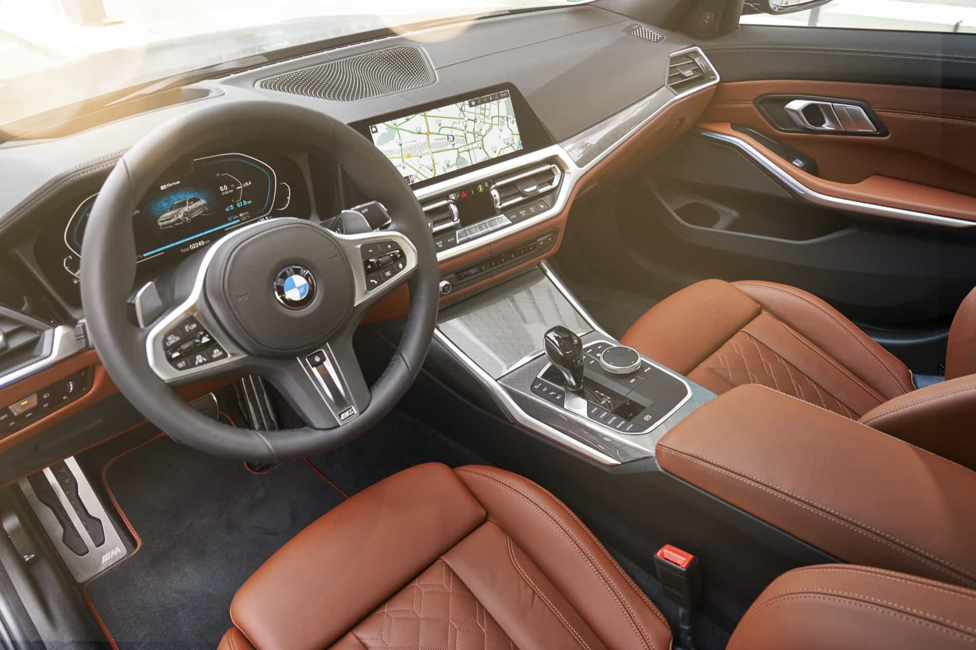 BMW_3_Series_Plug-in_Hybrid-070