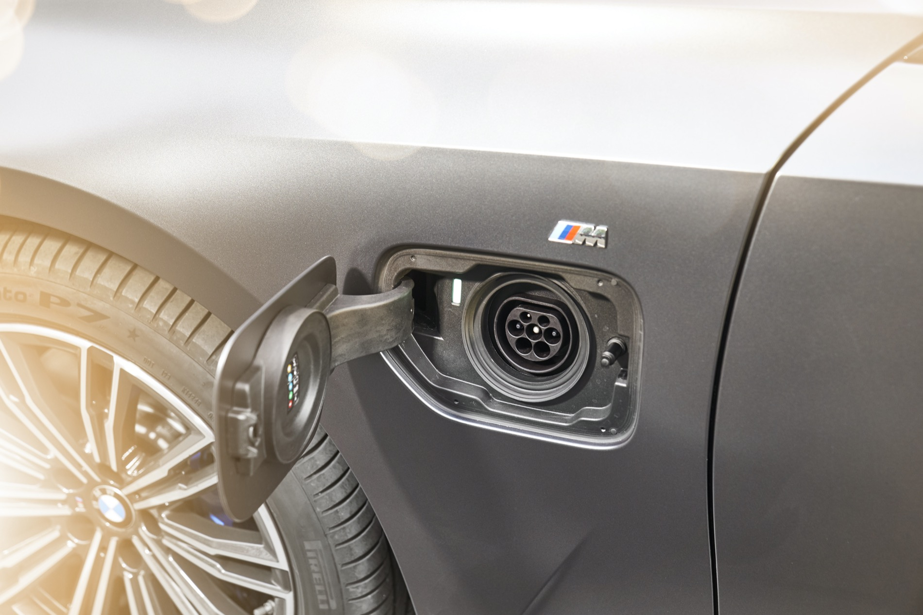 BMW_3_Series_Plug-in_Hybrid-072