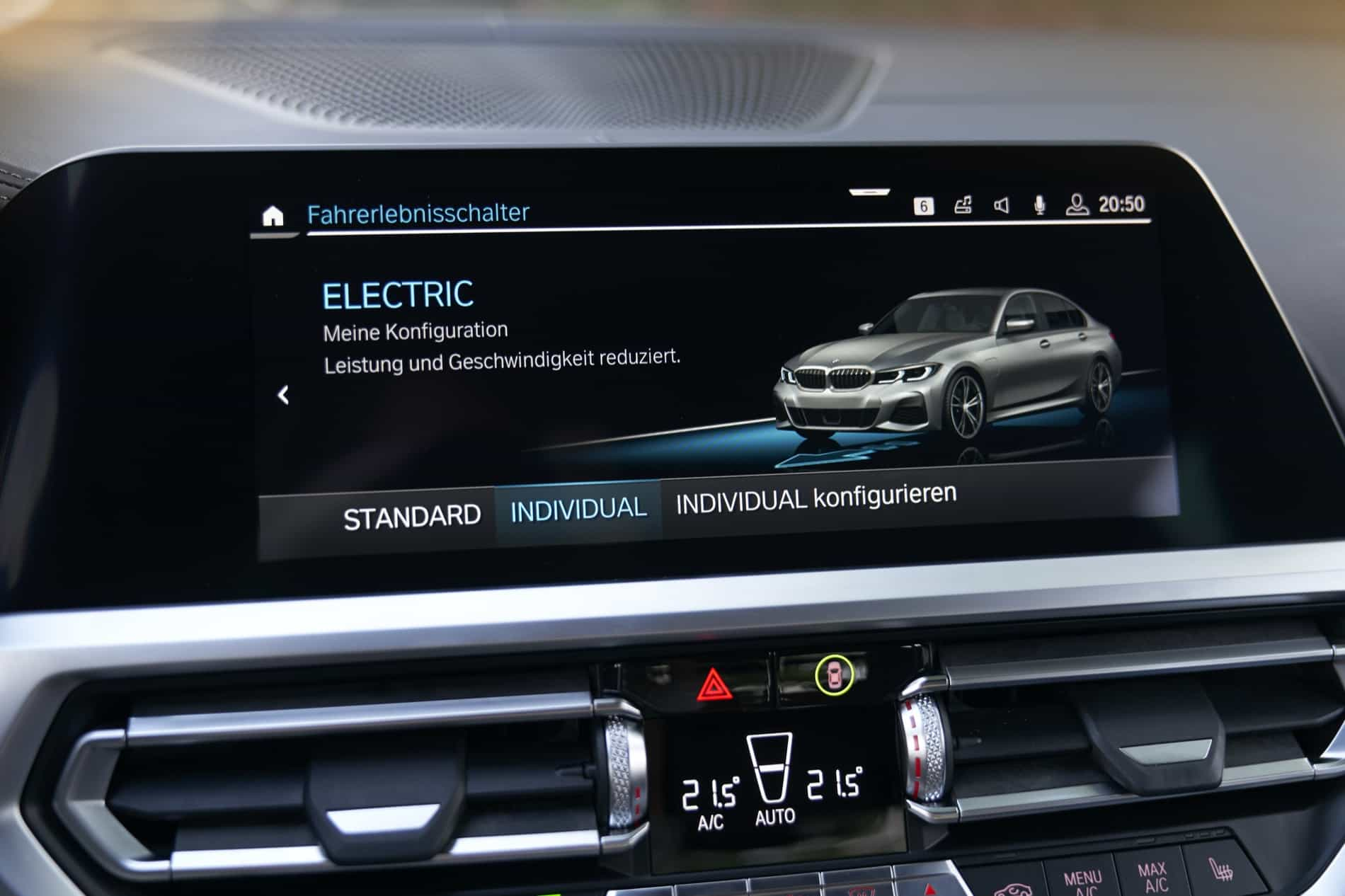 BMW_3_Series_Plug-in_Hybrid-089