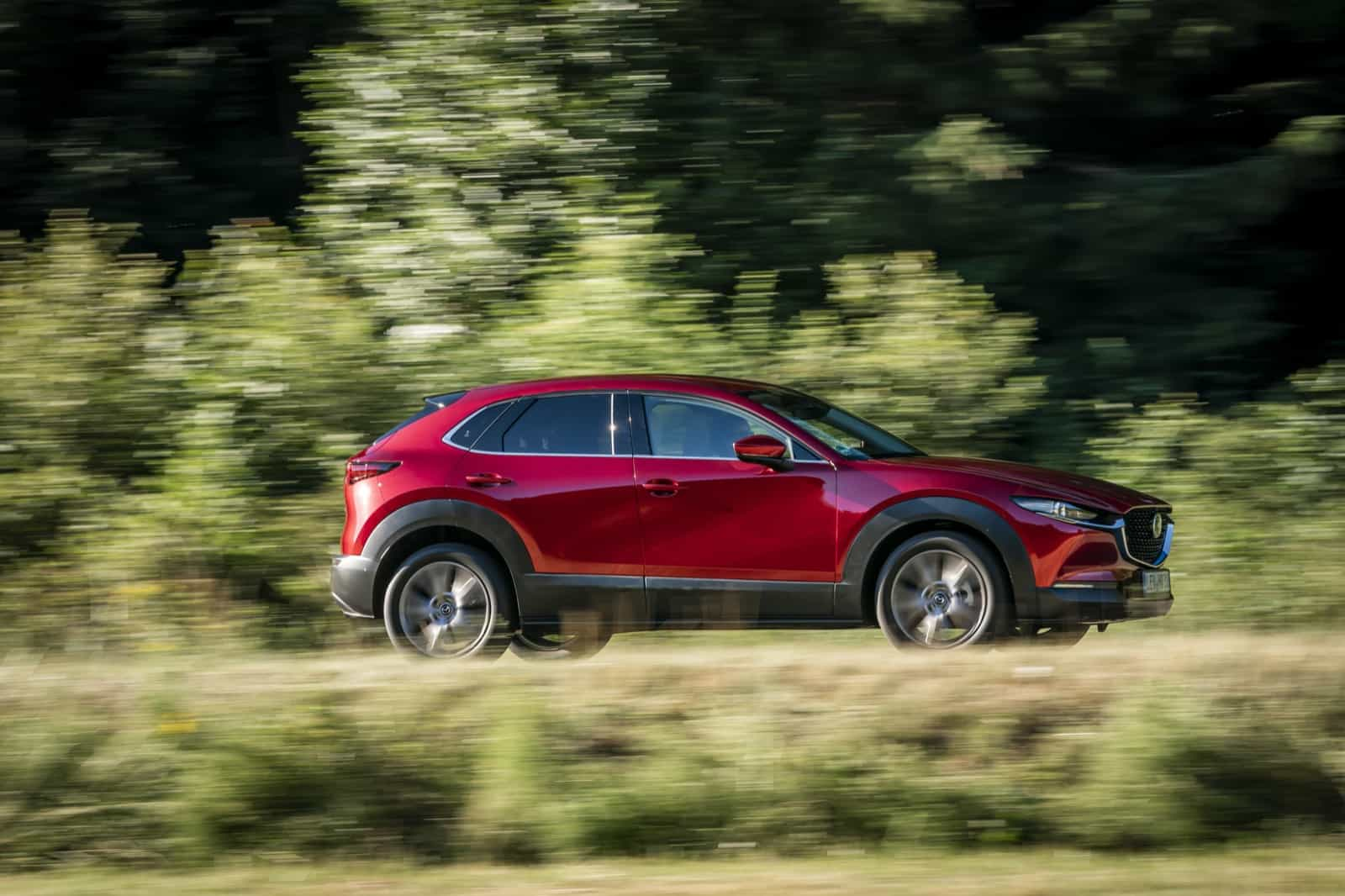 Mazda CX-30_Action_Soul Red Crystal_17