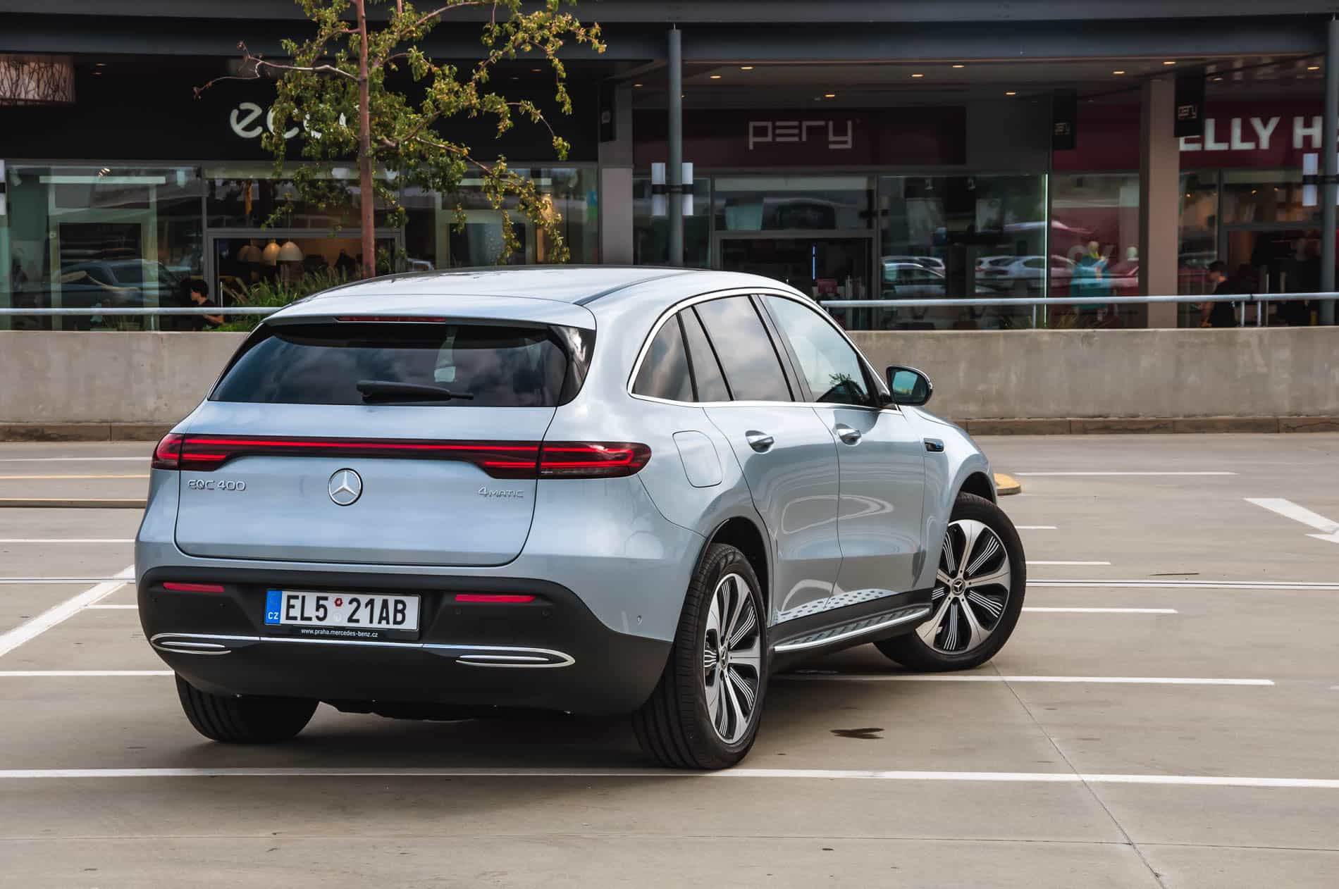 mercedes eqc (12 of 14)