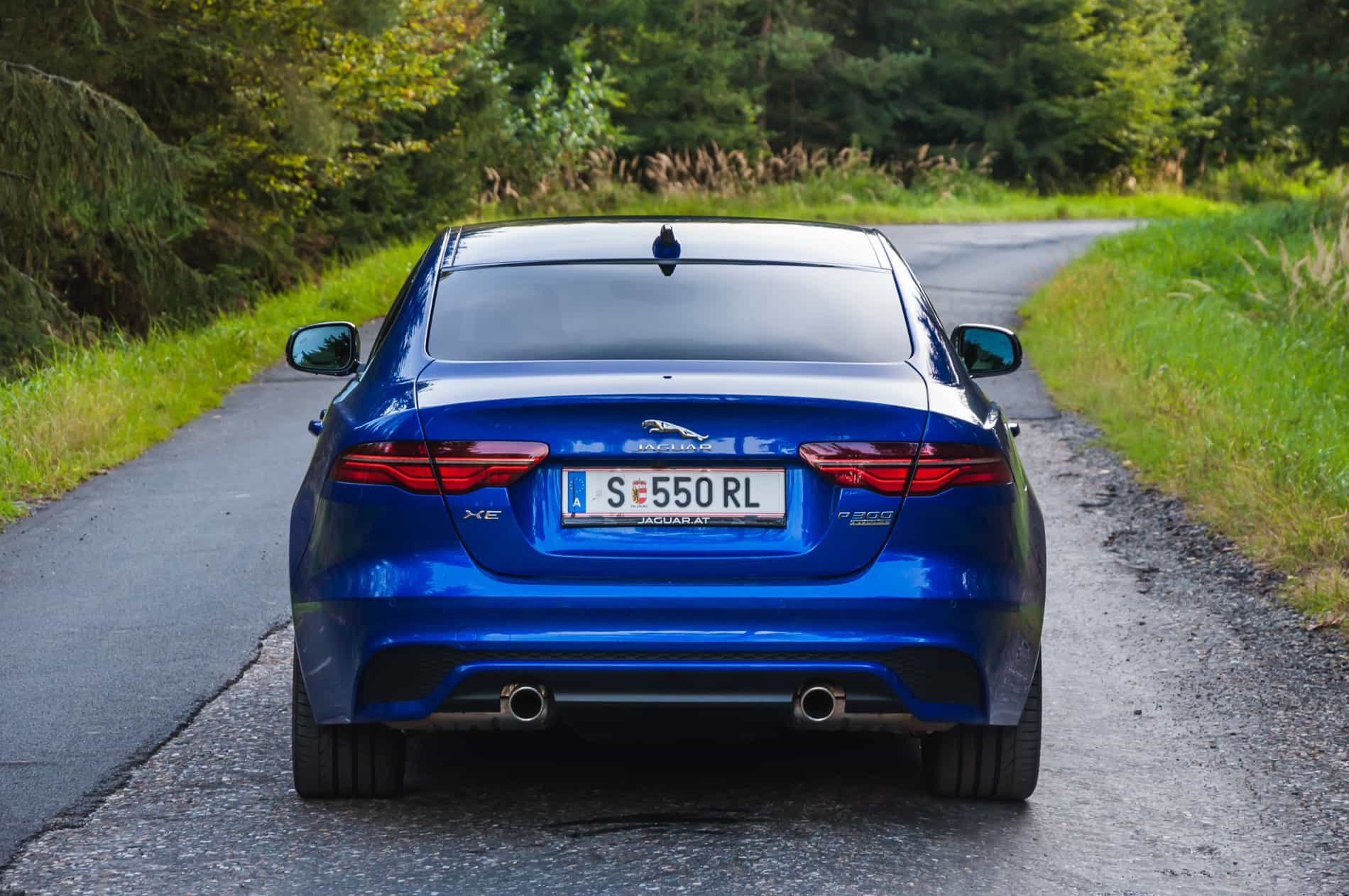 Jaguar XE P300 AWD (7 of 24)