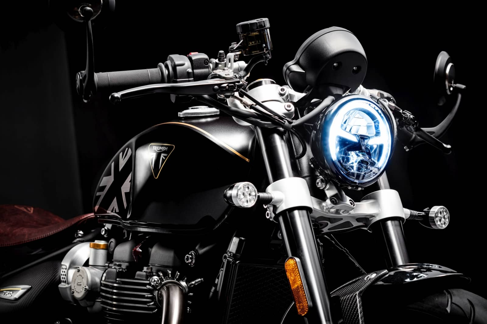 Bobber-TFC–LED-headlight-and-indicators
