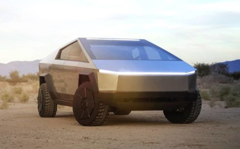Elon Musk předvedl pick-up Cybertruck