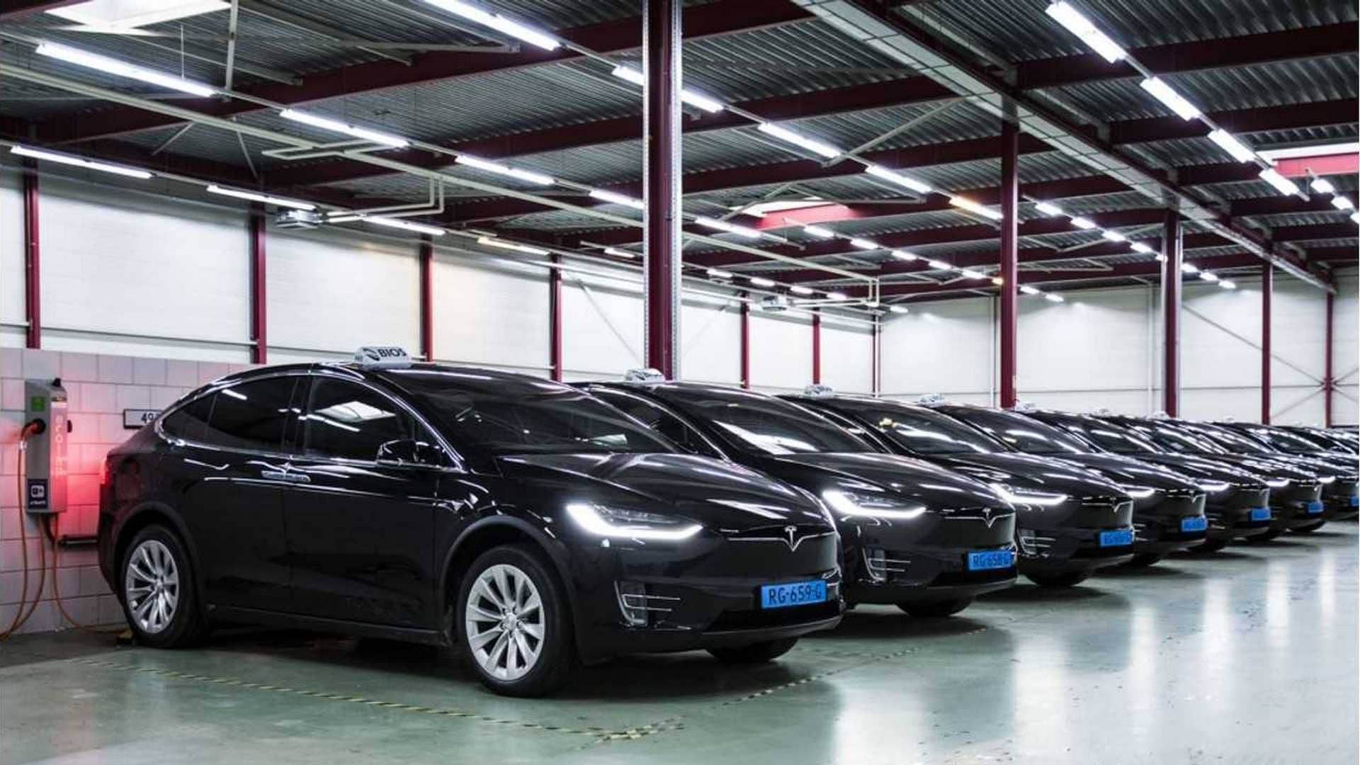 reliability-dutch-taxi-drivers-sue-tesla-for-model-s-problemsdd