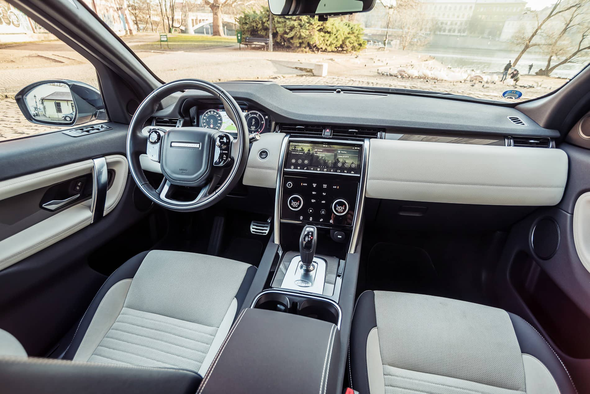 land rover discovery 2020 (18)