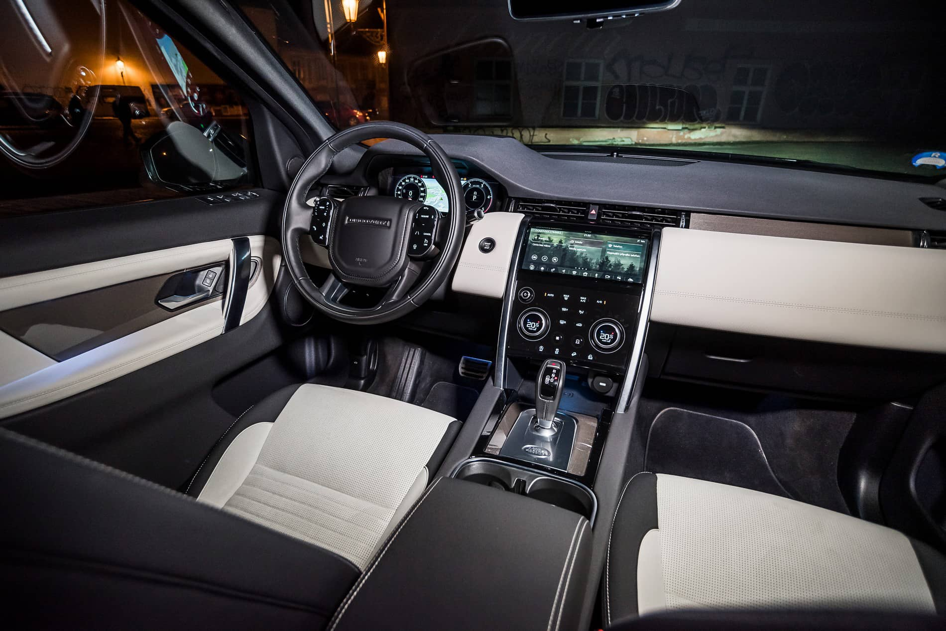 land rover discovery 2020 (6)