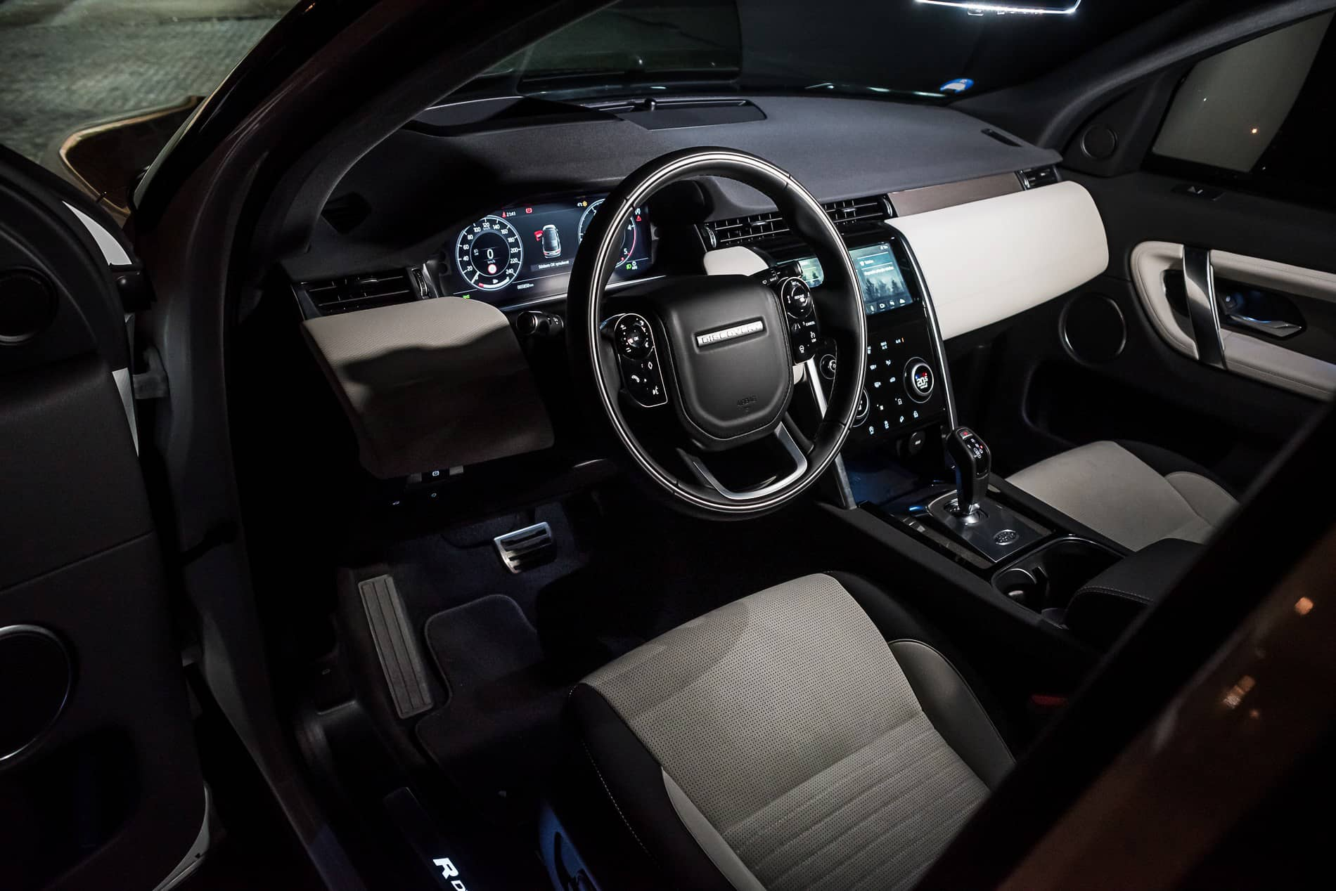 land rover discovery 2020 (9)