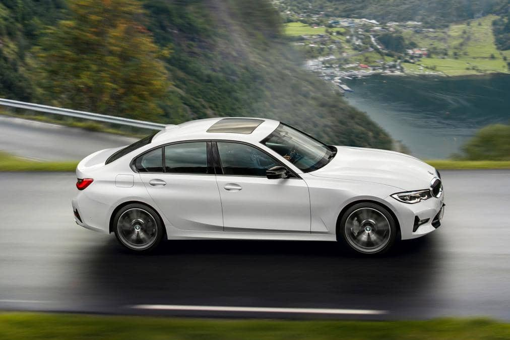 p90323706_highres_the-all-new-bmw-3-se