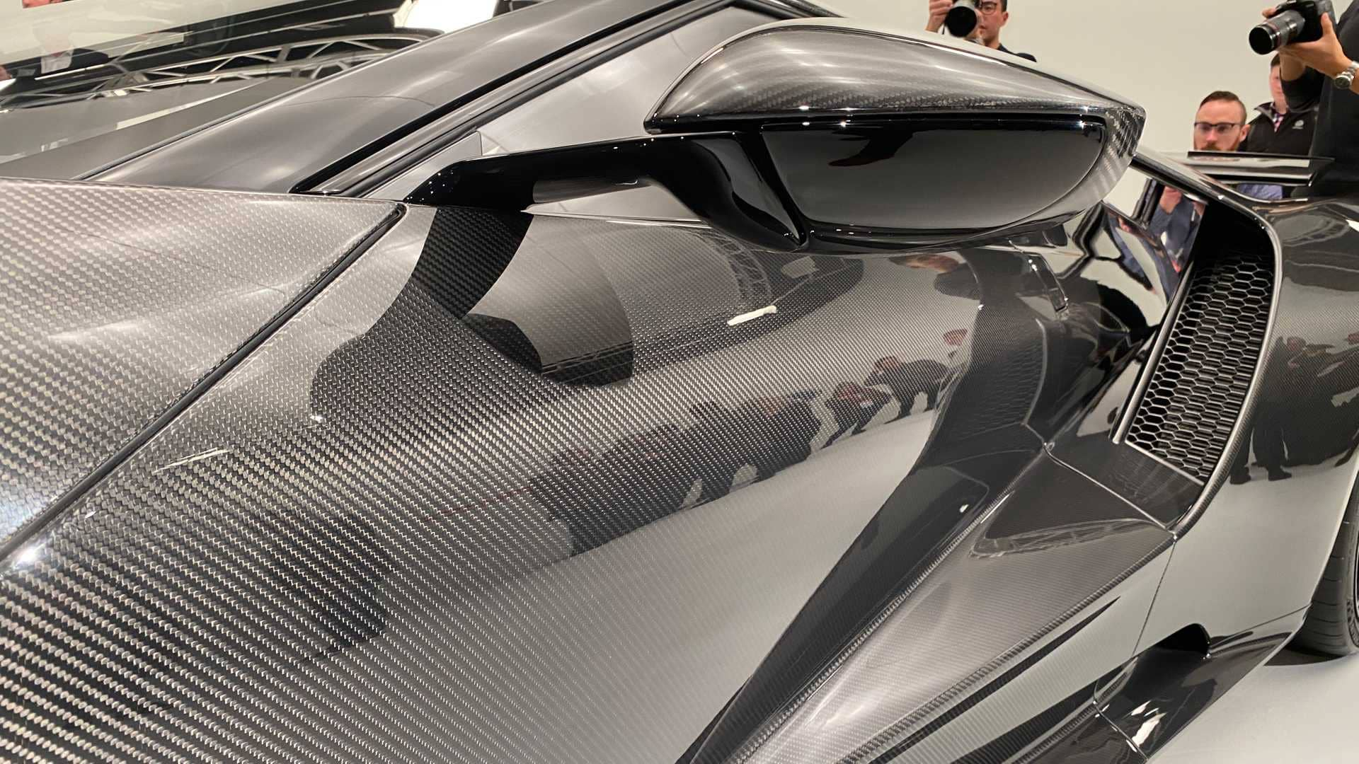 2020-ford-gt-liquid-carbon-editionv