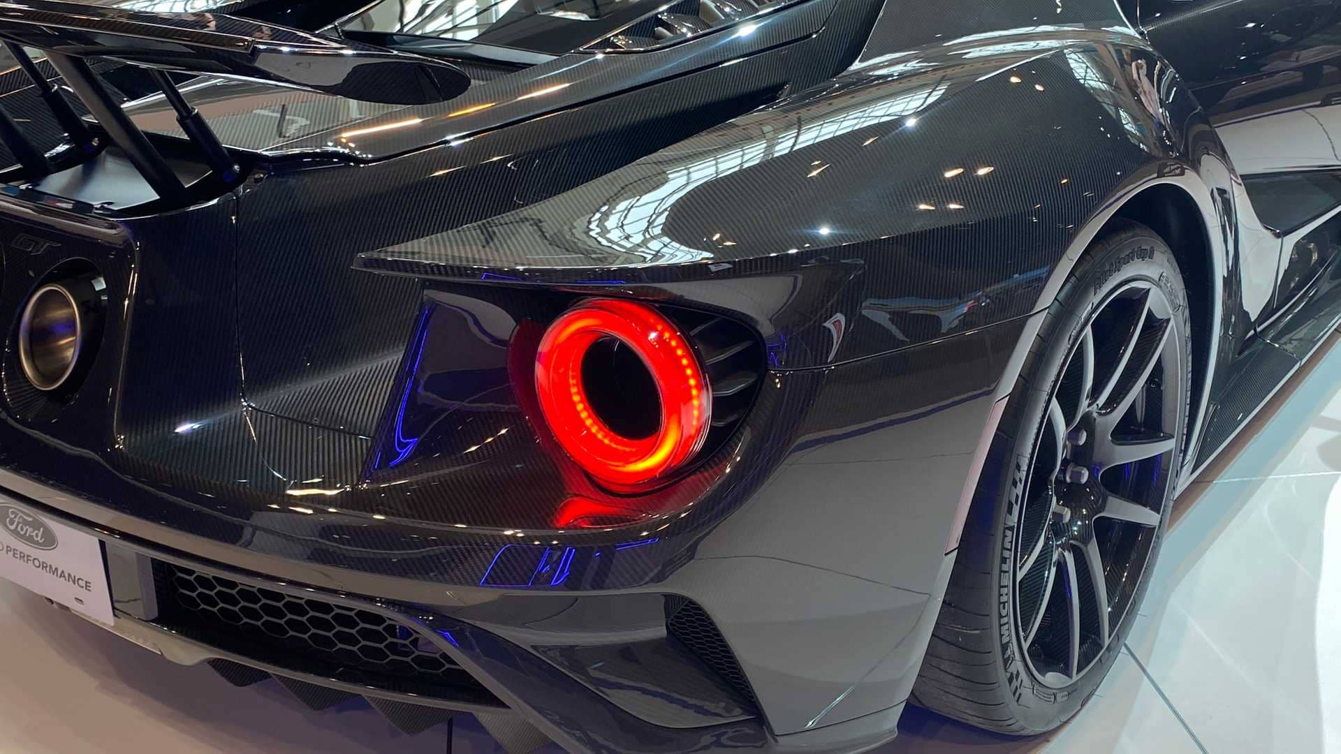 2020-ford-gt-liquid-carbon-editionz