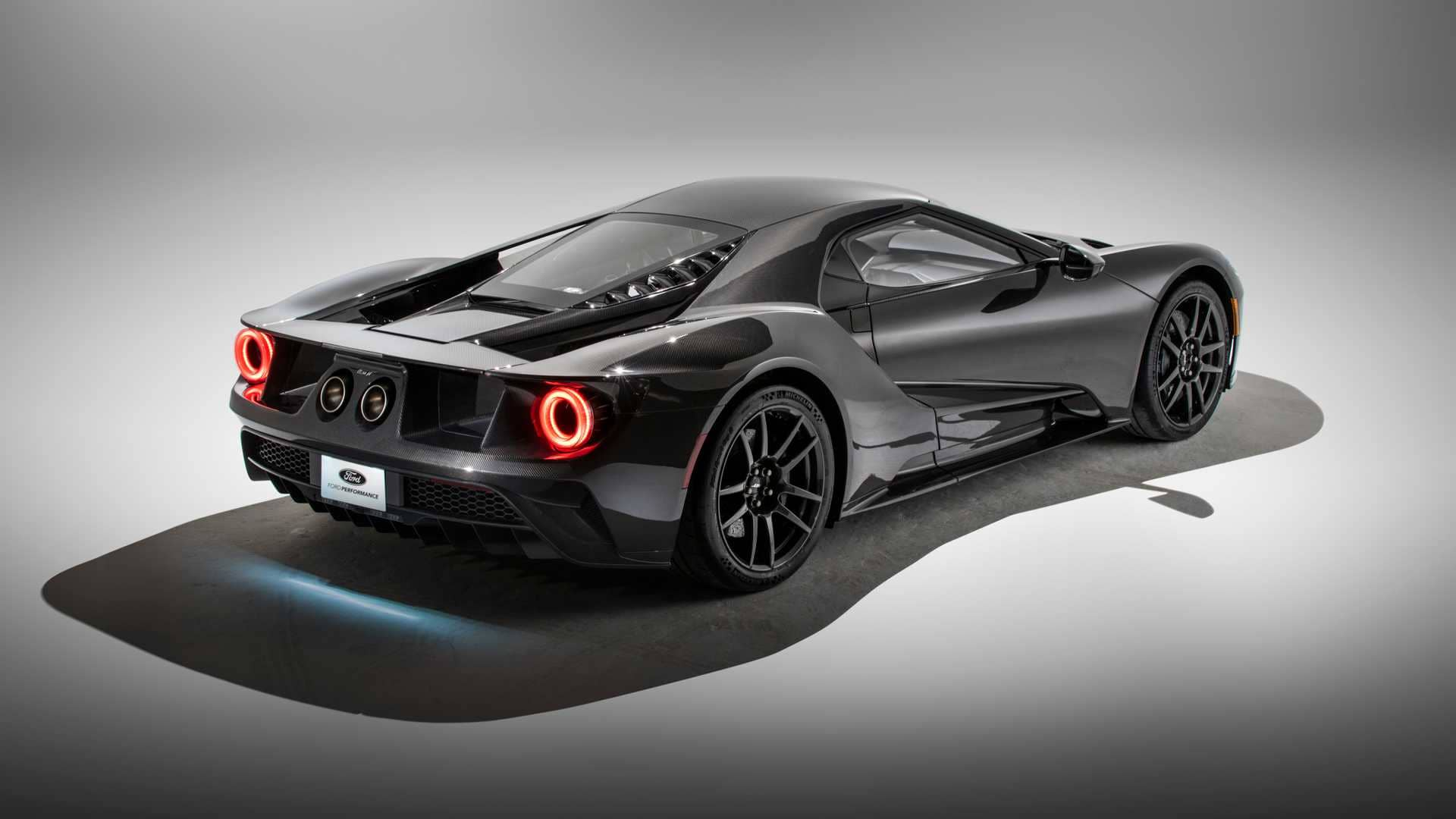2020-ford-liquid-carbon-editionj
