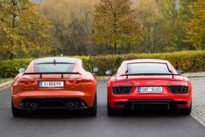 Duel Audi R8 V10 Plus vs Jaguar F-Type SVR -5