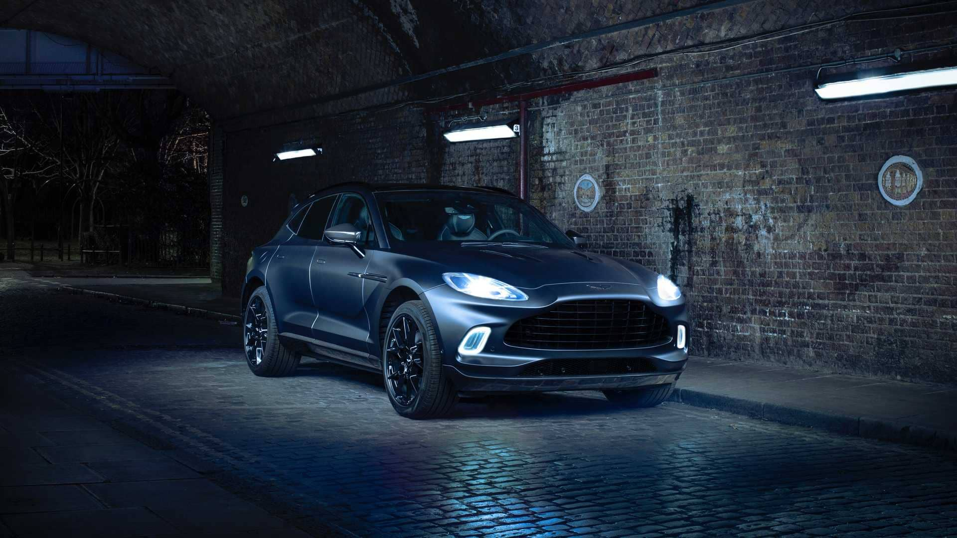 the-aston-martin-dbx-by-q-is-the-bespoke-suv-you-ve-been-waiting-forcx