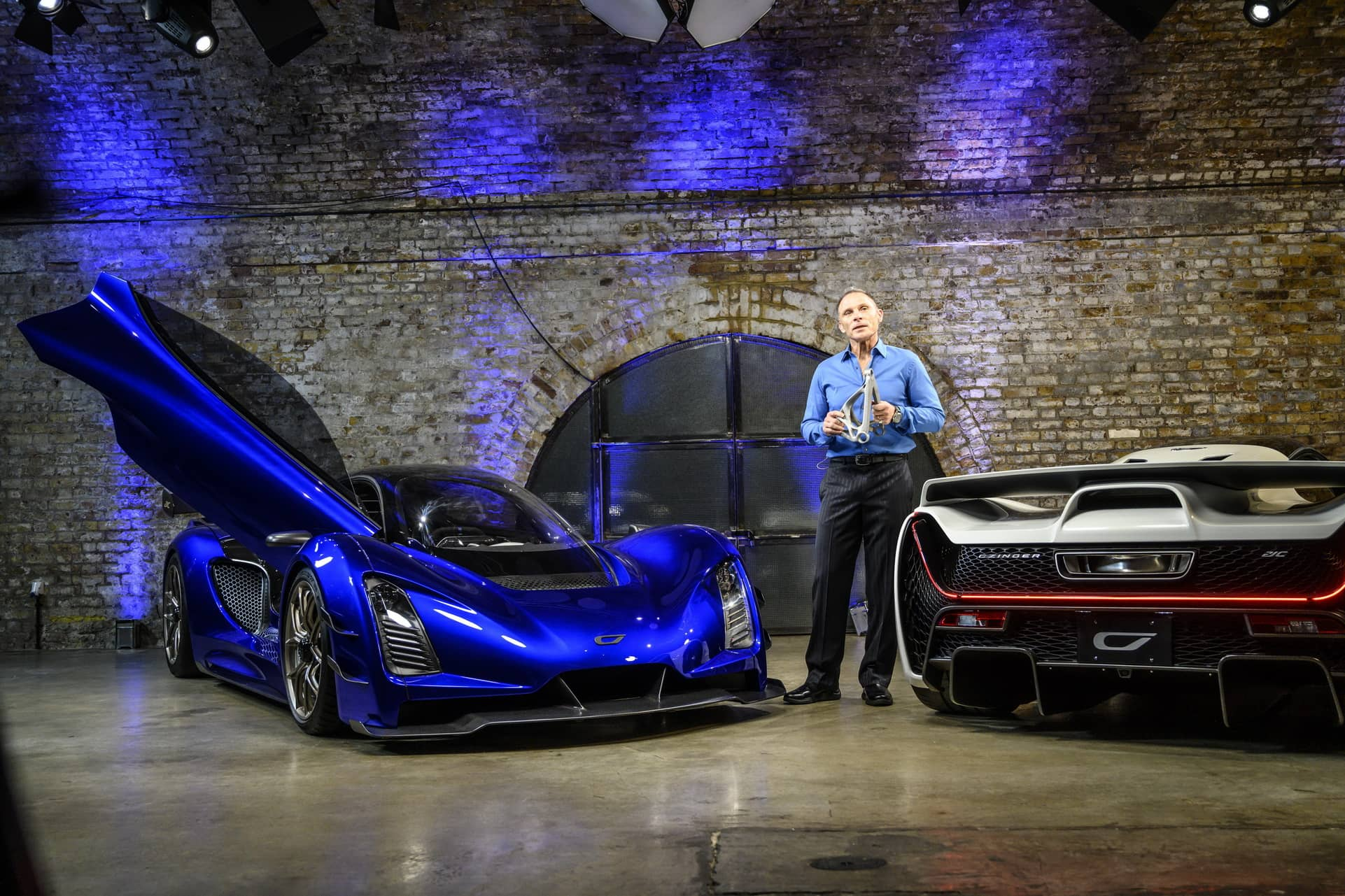1.-CEO-and-Founder-Kevin-Czinger-at-worldwide-reveal-in-London-UK
