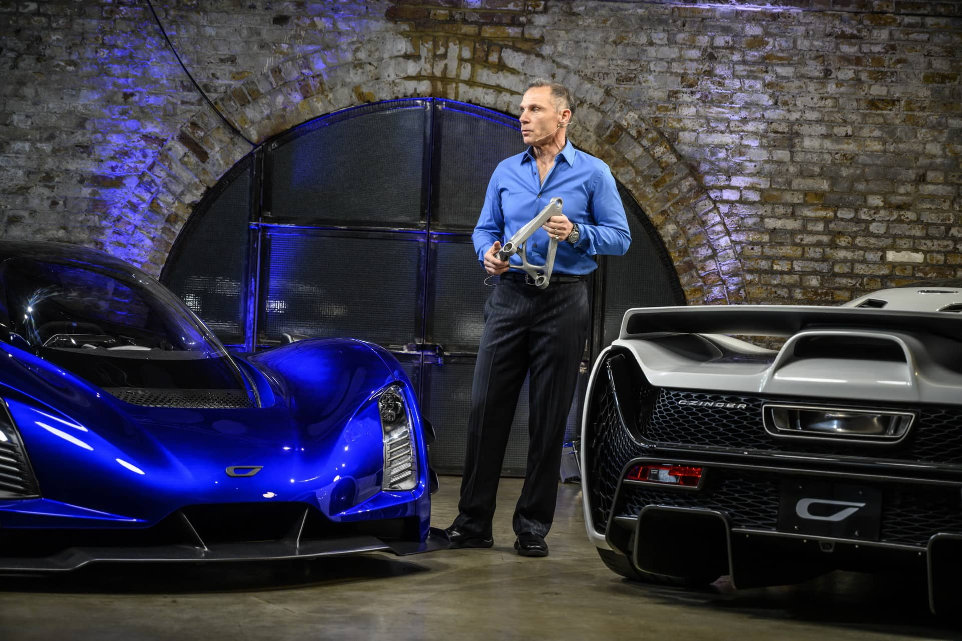 8.-CEO-and-Founder-Kevin-Czinger-at-worldwide-reveal-in-London-UK-close-up-of-cars
