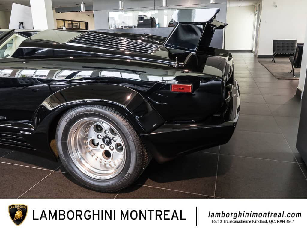 Lamborghini-Countach-For-Sale-7