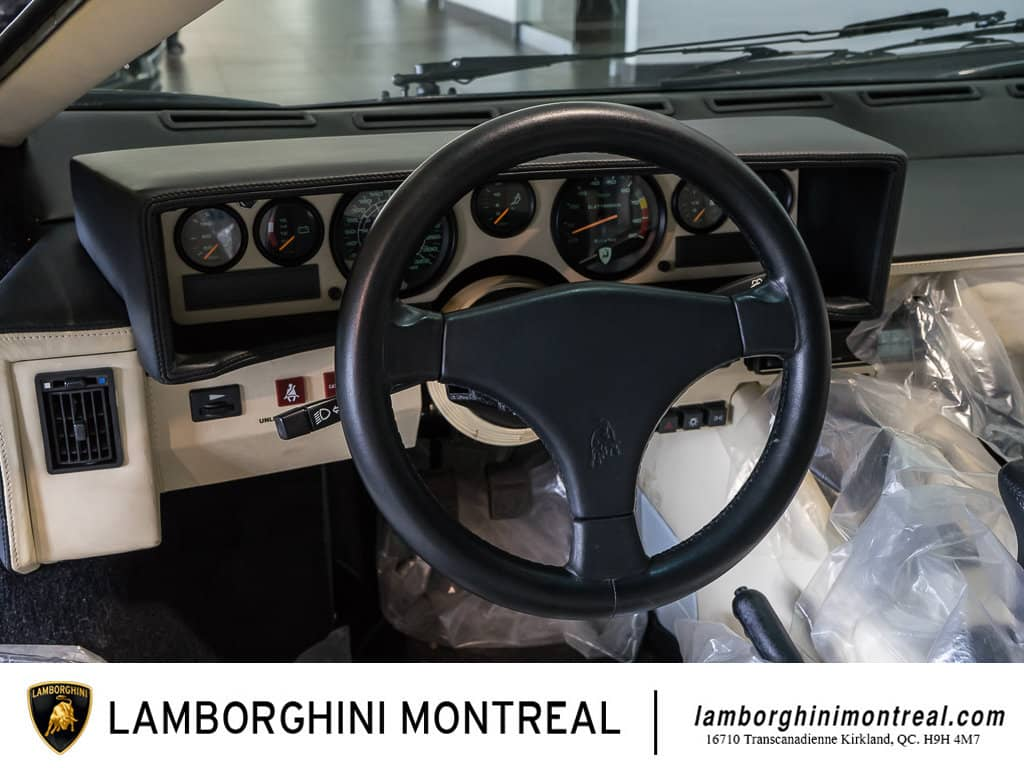 Lamborghini-Countach-For-Sale-9