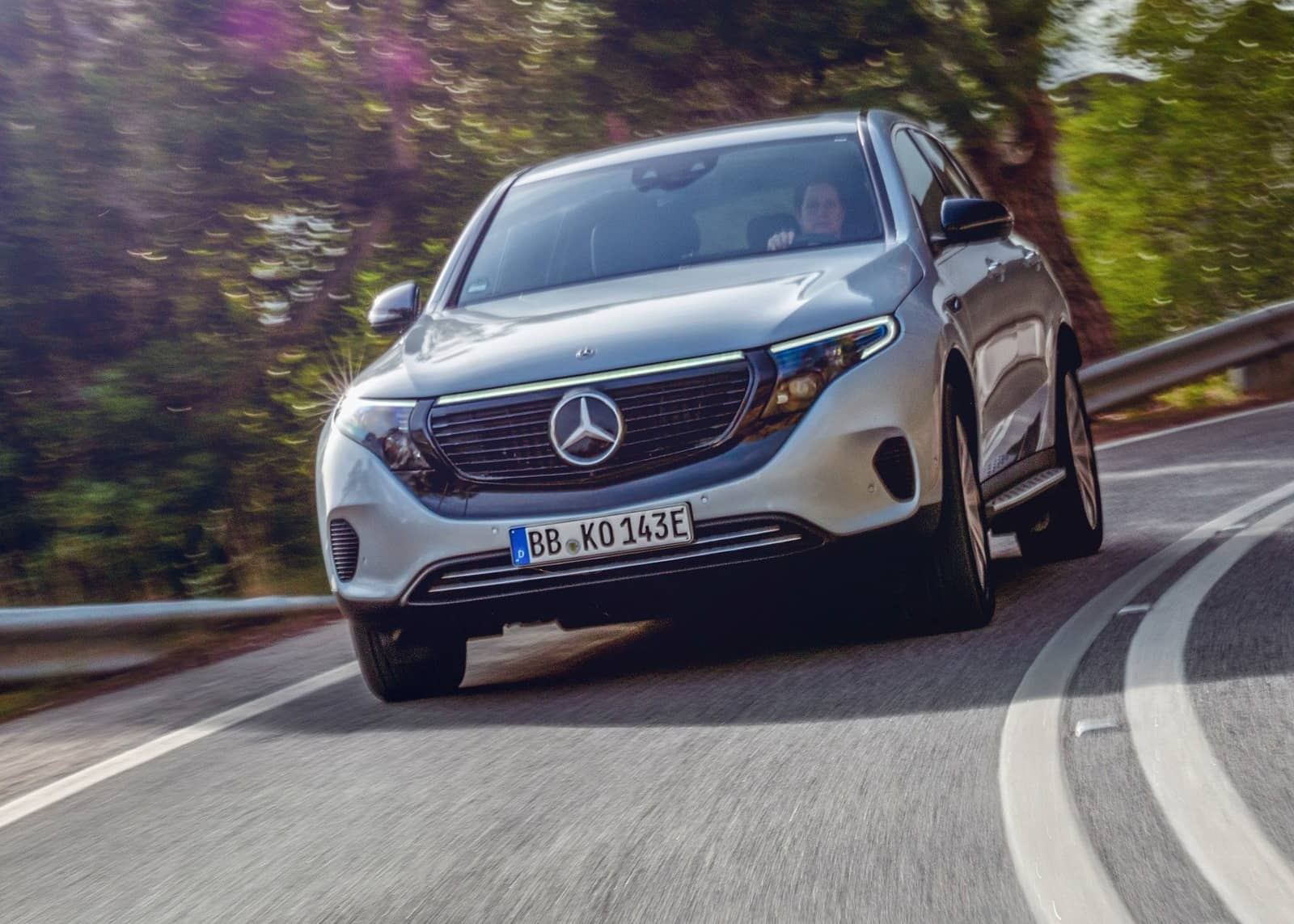 Mercedes-Benz-EQC_Edition_1886-2020-1600-04
