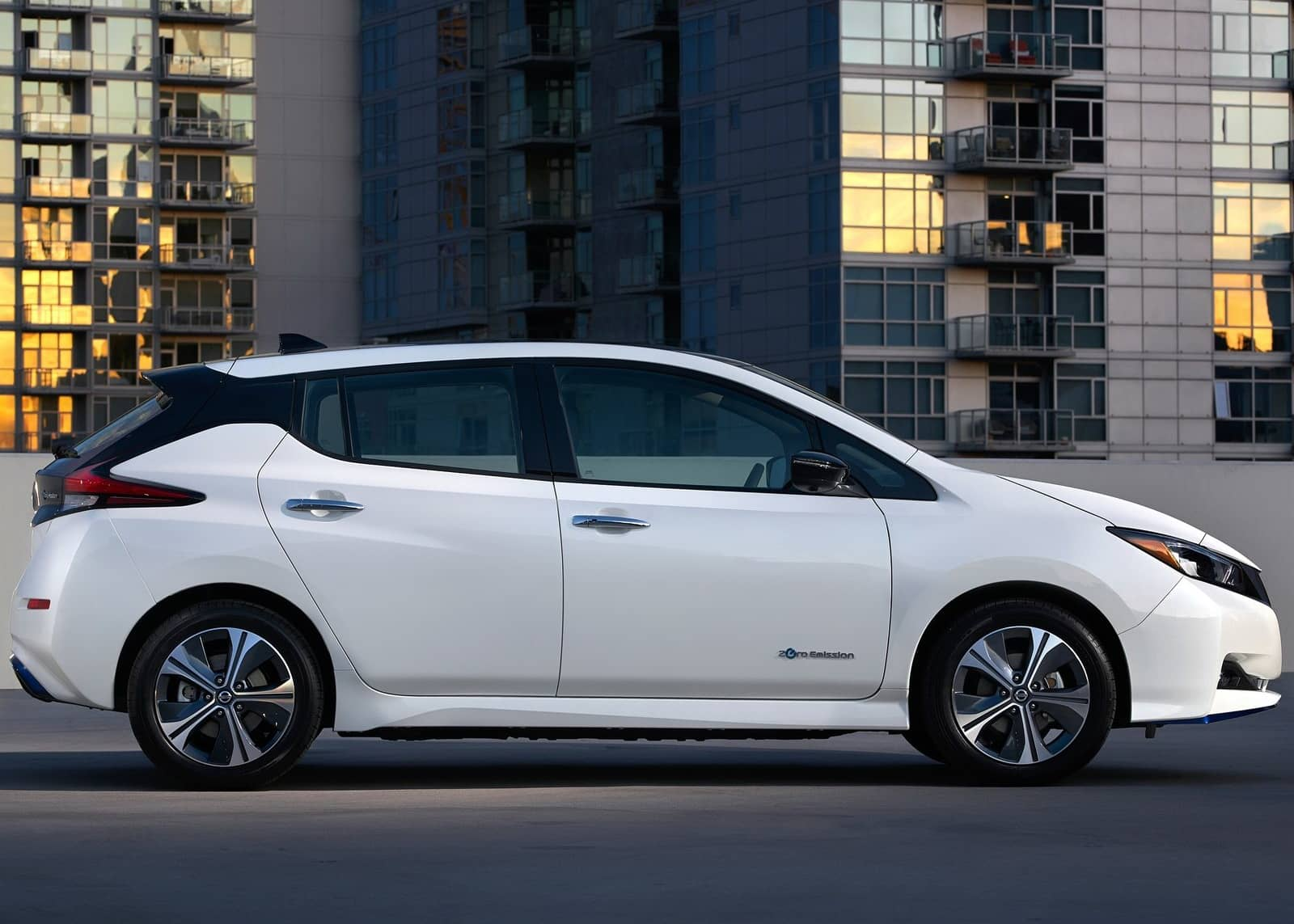 Nissan-Leaf_e_plus-2019-1600-11