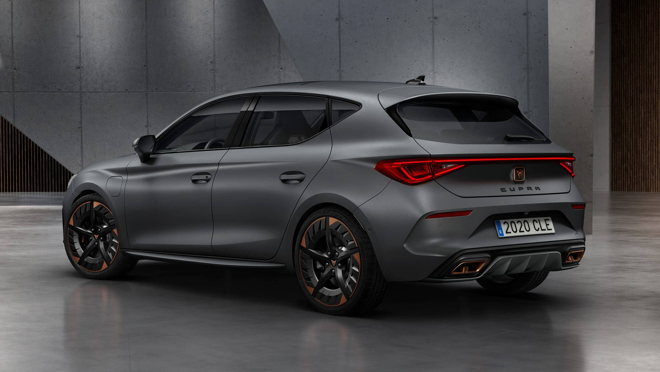 cupra_5d_phev_34_rear