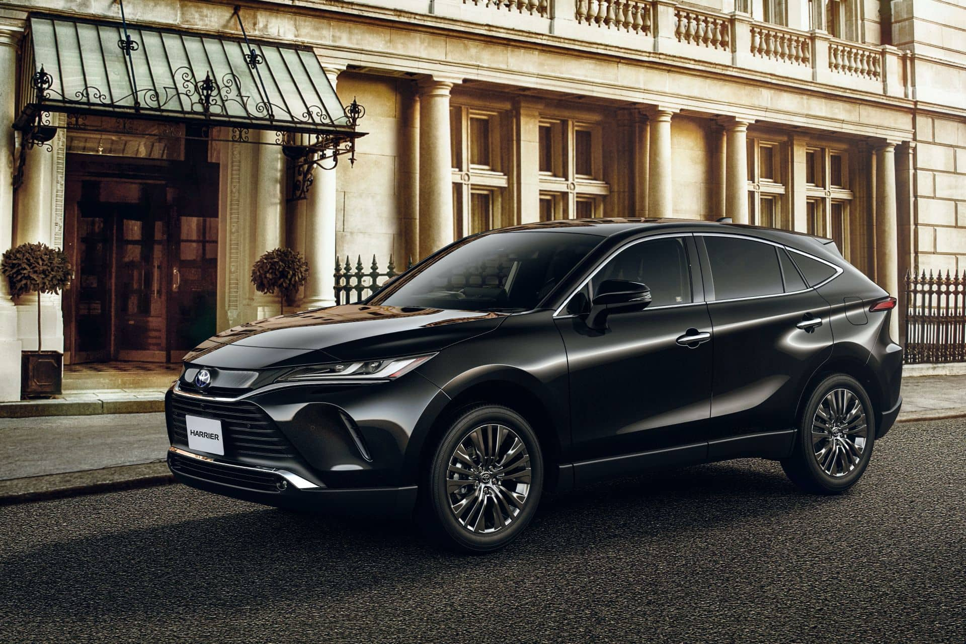 2020-Toyota-Harrier-JDM-spec-1