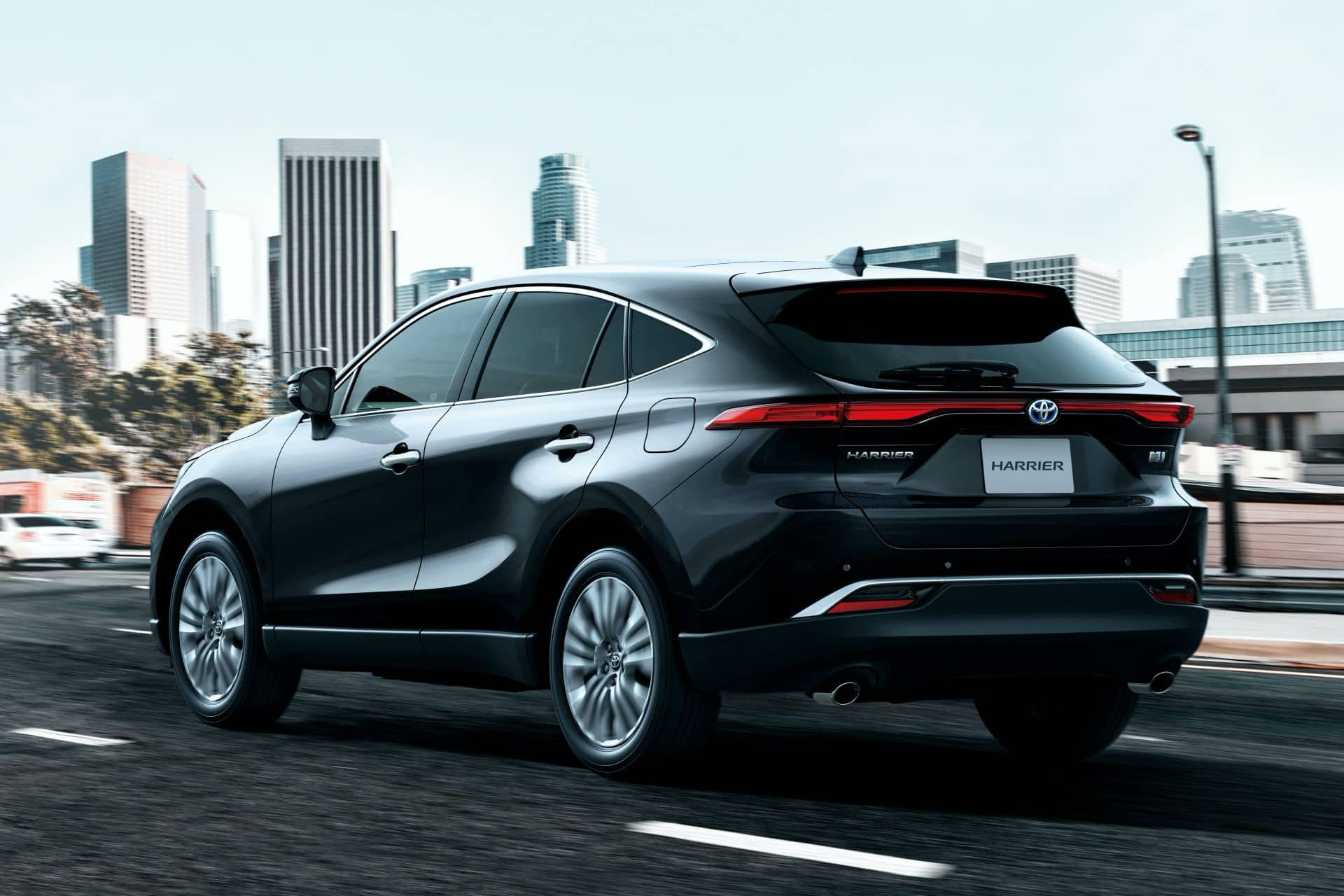 2020-Toyota-Harrier-JDM-spec-4