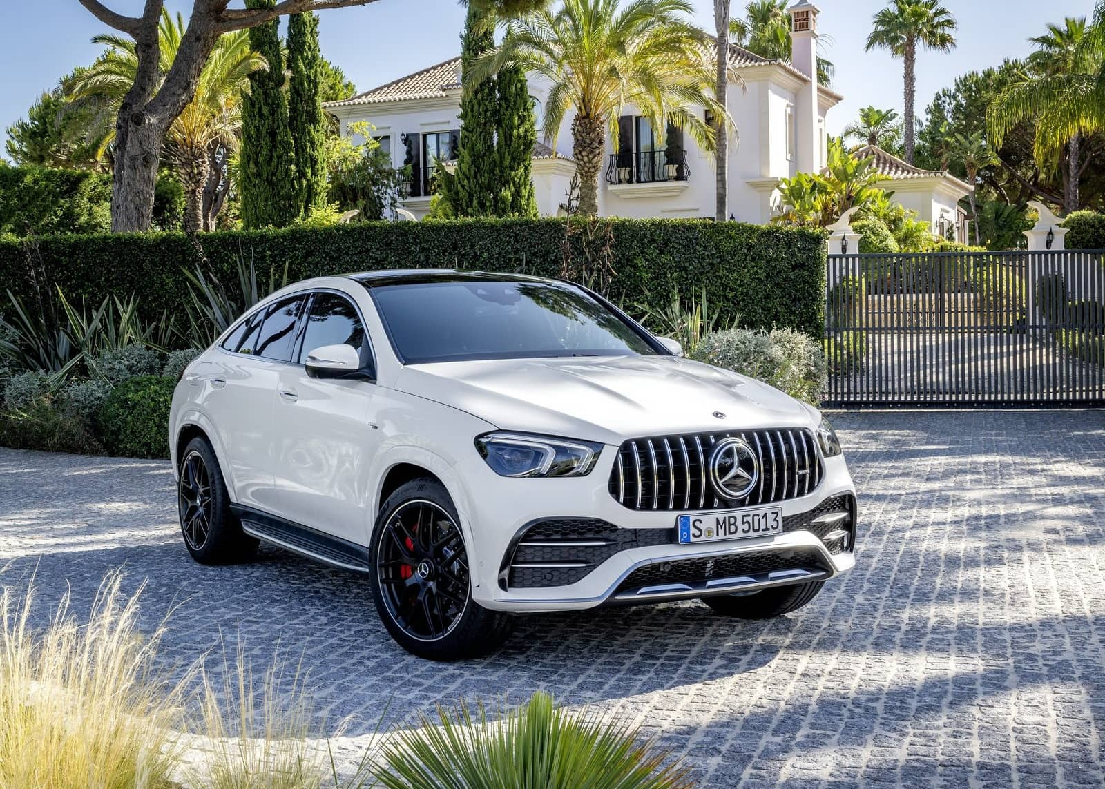 Mercedes-Benz-GLE53_AMG_4Matic_Coupe-2020-1600-06