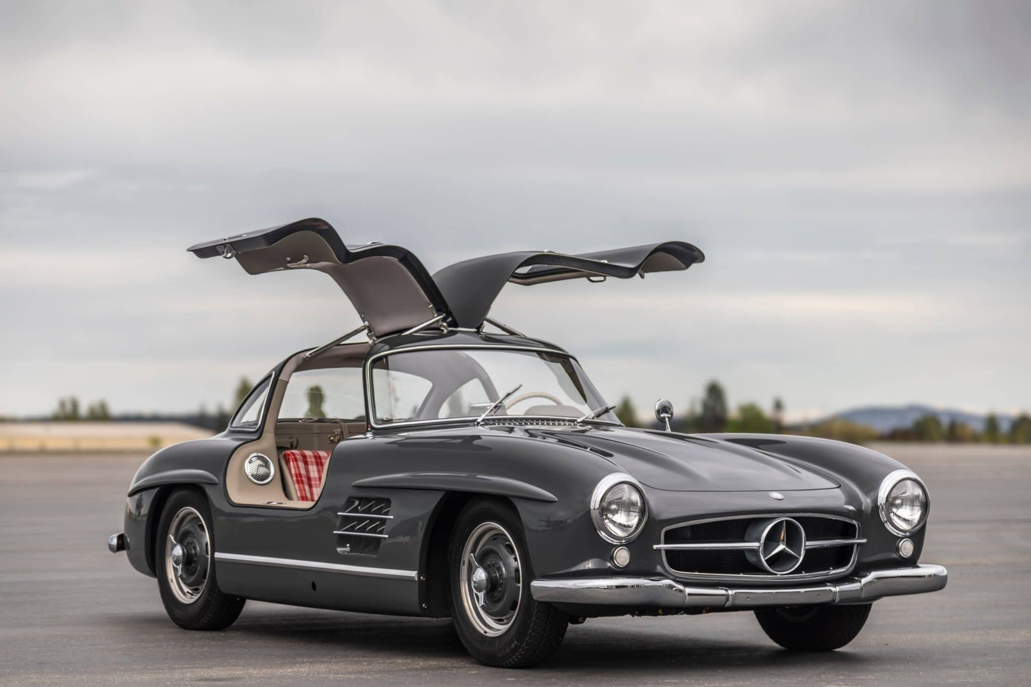 1955_mercedes-benz_300sl_gullwing_158872073355ef473835e770R0A8588a-scaled