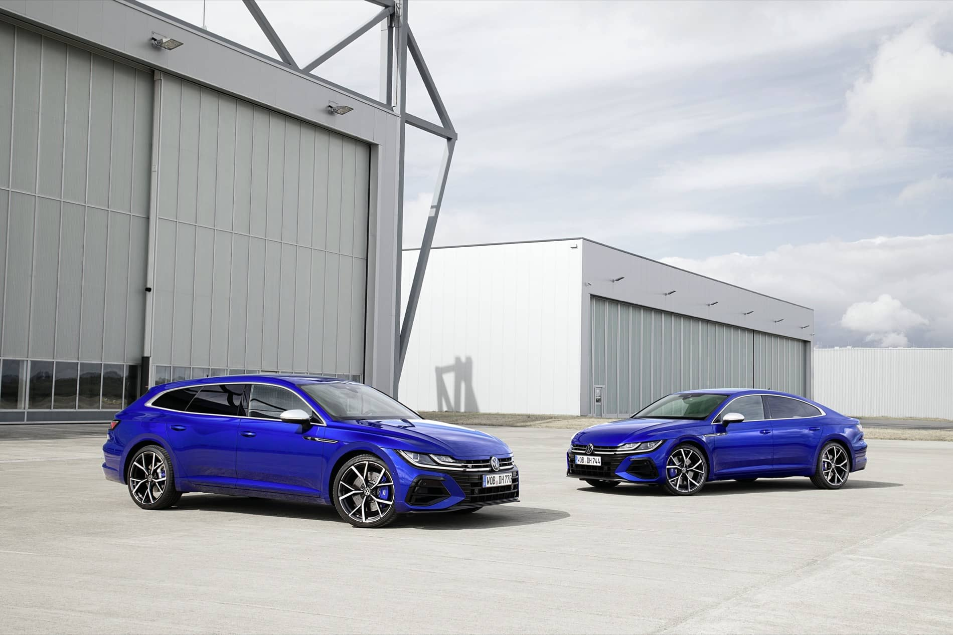 Volkswagen Arteon Shooting Brake R and Arteon R