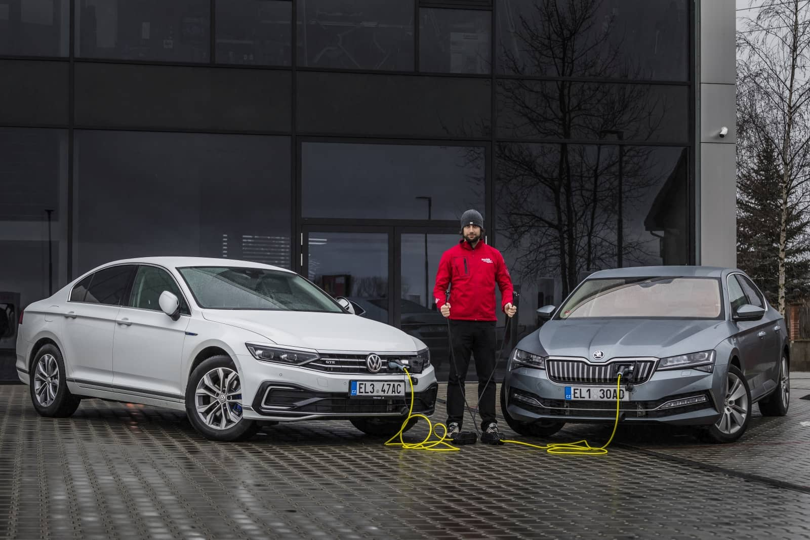 aDMB2020_Superb iV vs. Passat GTE-0769