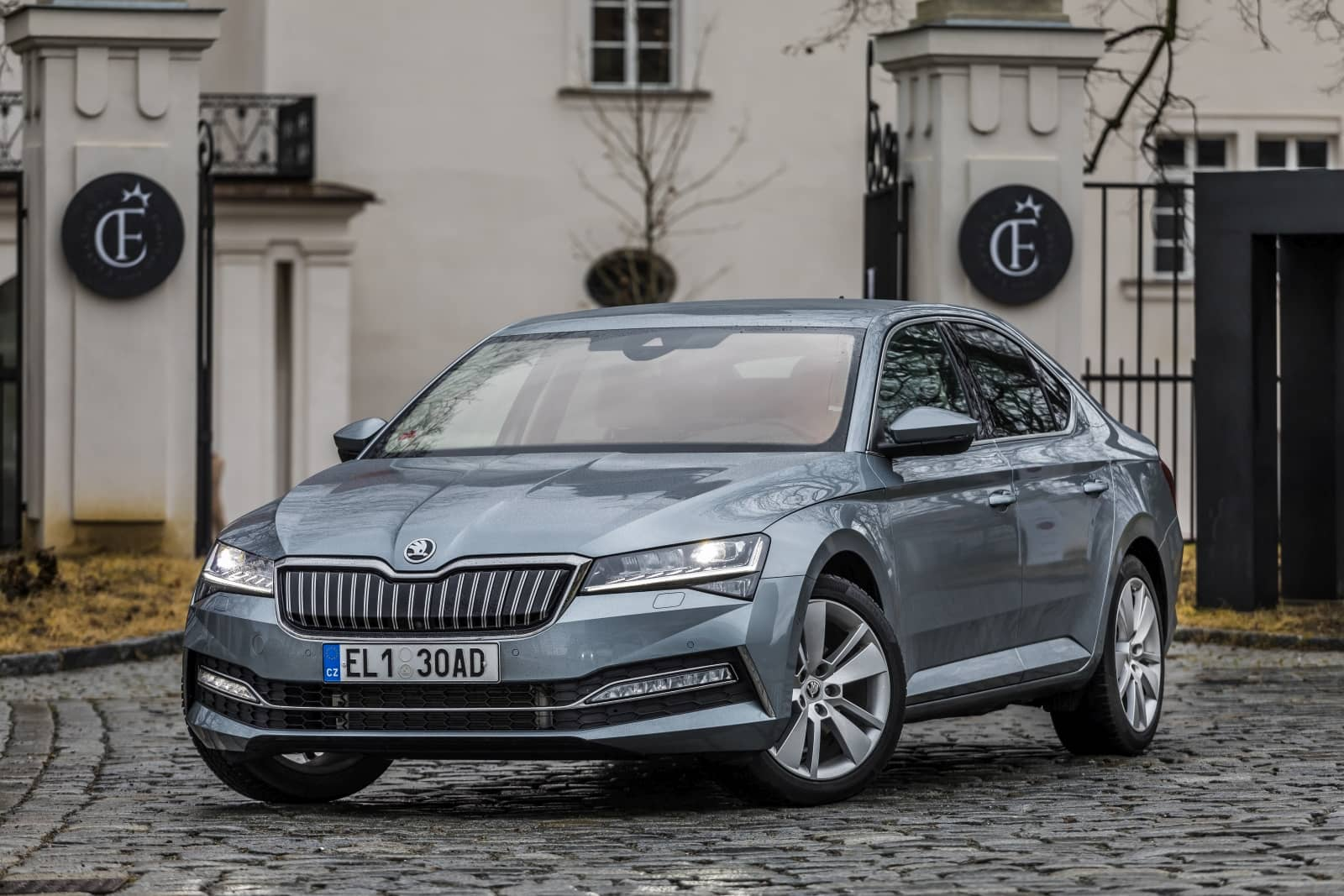 aDMB2020_Superb iV vs. Passat GTE-9840