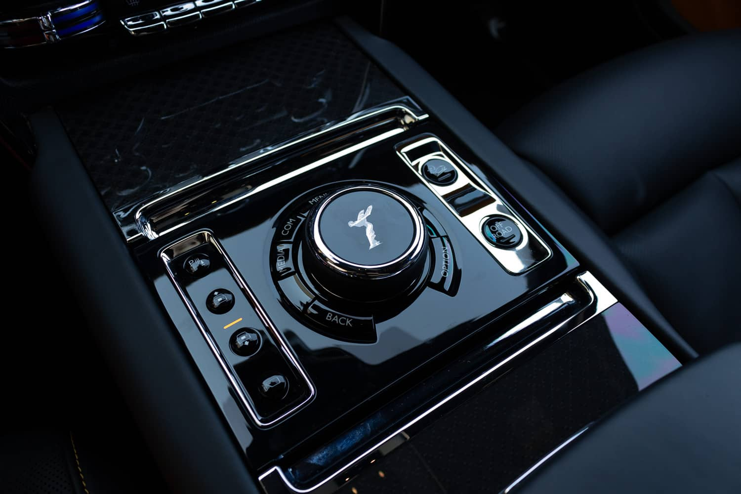 Rolls-Royce Cullinan Black Badge (29)