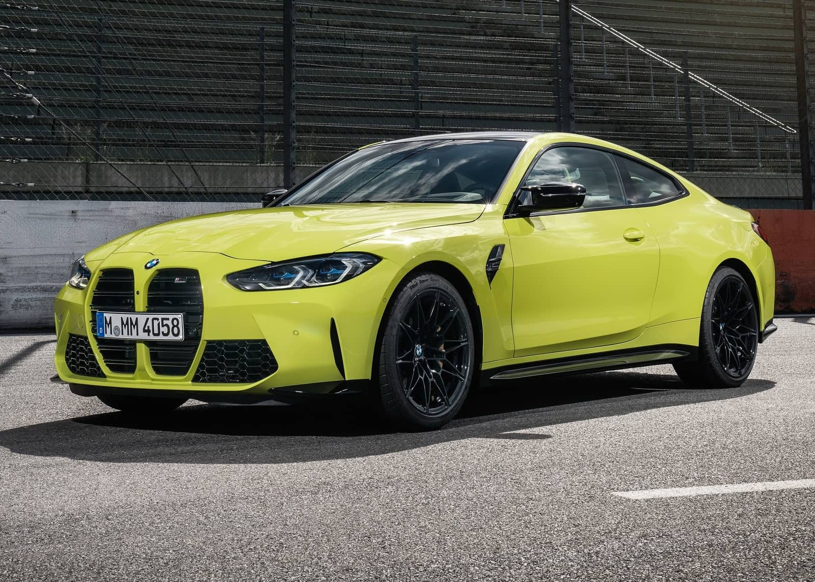 BMW-M4_Coupe_Competition-2021-1600-01
