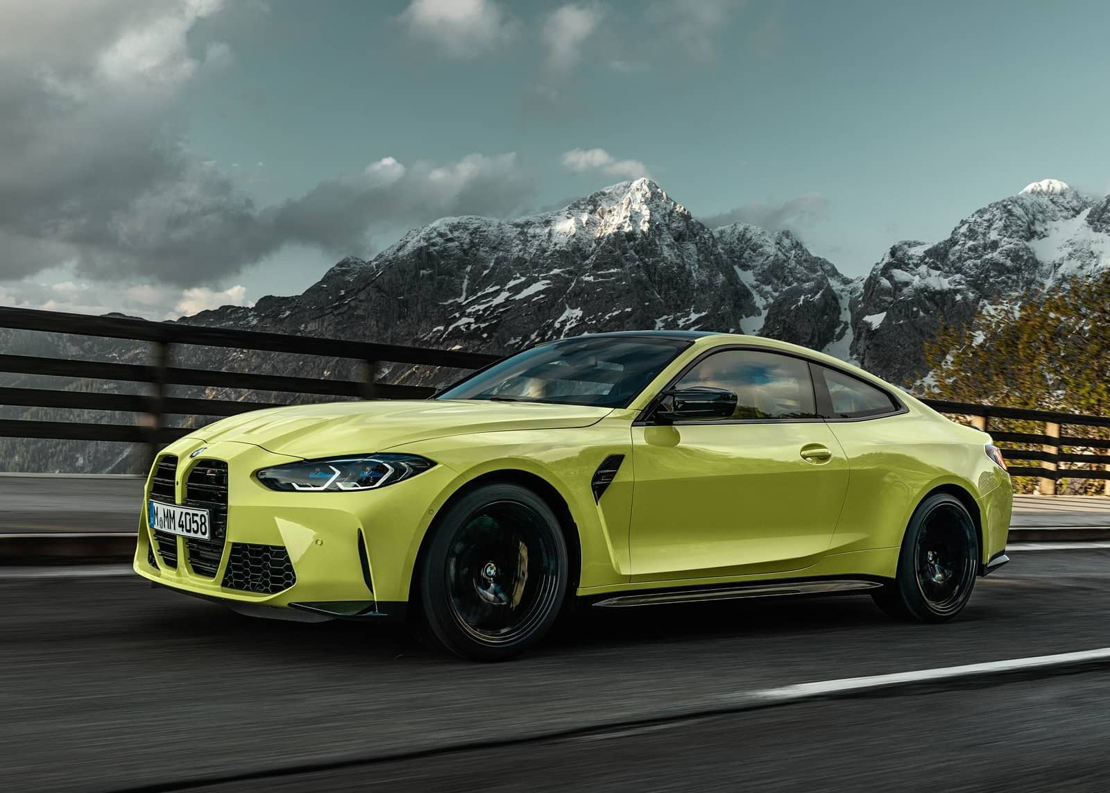 BMW-M4_Coupe_Competition-2021-1600-0a