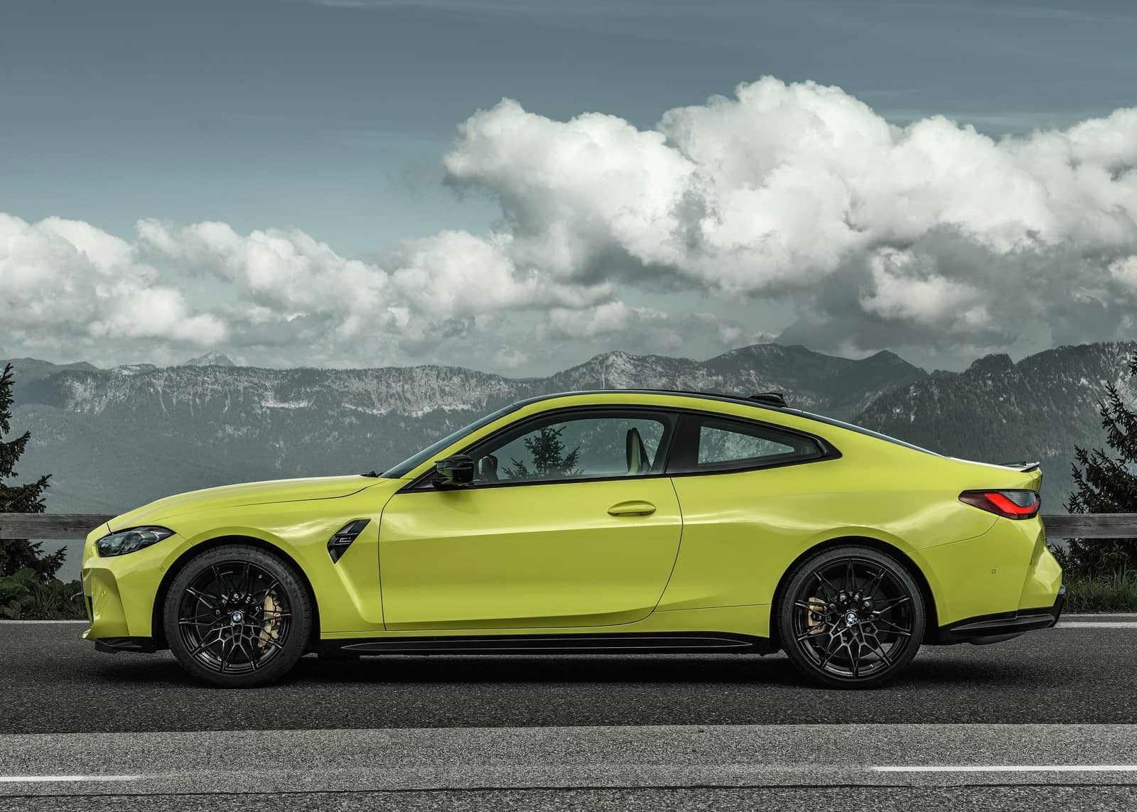 BMW-M4_Coupe_Competition-2021-1600-16